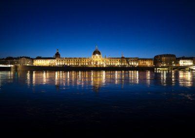Lyon_Hotel_Dieu_nuit_copyright_Brice_Robert
