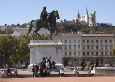 Lyon_place_bellecour_copyright_Laurent_Berthier.jpg