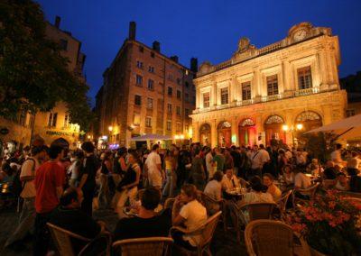 Vieux_Lyon_nuit_place_du_change_copyright_Marie_Perrin